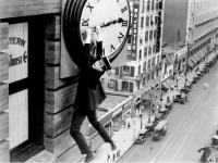 Harold Lloyd in 'Safety Last!', 1923, directed by Fed C. Newmeyer and Sam Taylor, produced by Hal Roach Studios