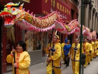 Chinese New Year, Dragon Walk, Hong Kong (Source: Wikipedia Commons)