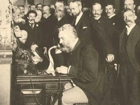 Alexander Graham Bell at the opening of the long-distance line from New York to Chicago, 1892 (Courtesy: Library of Congress)