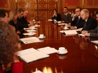 Foreign Office Minister Henry Bellingham meets NGOs to discuss the situation in Sudan, 2012 (Source: Wikimedia Commons)
