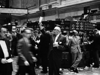 Traders on the New York Stock Exchange, 1963 (Source: Wikimedia Commons)