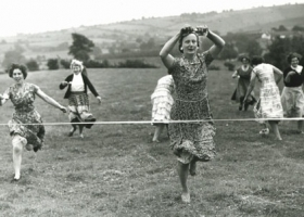 The ladies' egg & spoon race, Picklescott Village Fete & Sports Day 1963 (Source: Picklescott.org.uk)