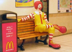 Ronald McDonald, Delft, Netherlands, 2005. Photo: M.Minderhoud (Source: Wikimedia Commons)