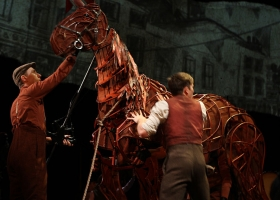 'War Horse', the stage adaptation of Michael Morpurgo's book, performed at the Lyric Theatre Sydney, Australia, 2013 (Source: Wikimedia Commons)