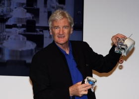 Sir James Dyson puts on Dyson product launch, Sydney, 2013 (Source: Wikimedia Commons)