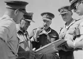 British generals, during the Battle of Gazala, 1942 (Source: Wikimedia Commons)