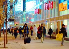 Pedestrians in Toronto, 2013 (Source: Wikimedia Commons)