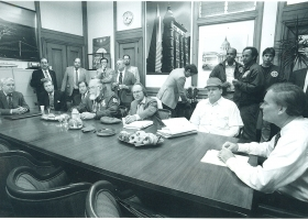 Frank Jordan meets with Doug Cuthbertson and other union leaders at City Hall, New York, during the 1994 newspaper strike