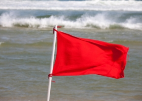 Red flag on the beah