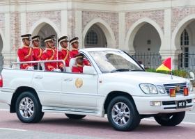 The Royal Malay Regiment get ready at the Malaysian King Sultan Mizan Zainal Abidin birthday parade on June 4, 2011 in Kuala Lumpur, Malaysia. (Source: Shutterstock)