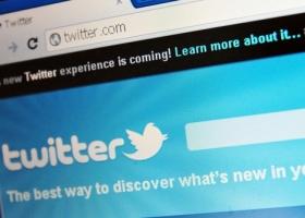 Twitter- 1000 Words / Shutterstock.com